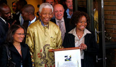 Nelson Mandela's Daughters Fight For His Fortune And Artwork