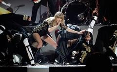 Taylor Swift, Gotye and Rihanna win at Billboard Awards
