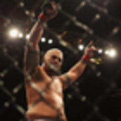 UFC: Mark Hunt on his way to Vegas, finally